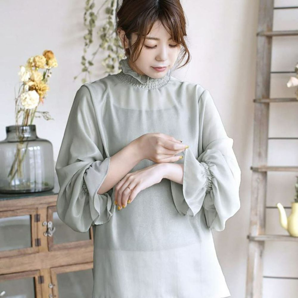 日本 zootie - 質感光澤微透膚雪紡小高領長袖上衣-薄荷