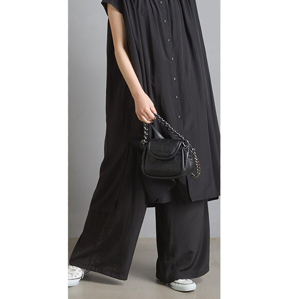 日本 OMNES - 仙氣飄飄光澤感綁帶寬褲-黑 (Free size)