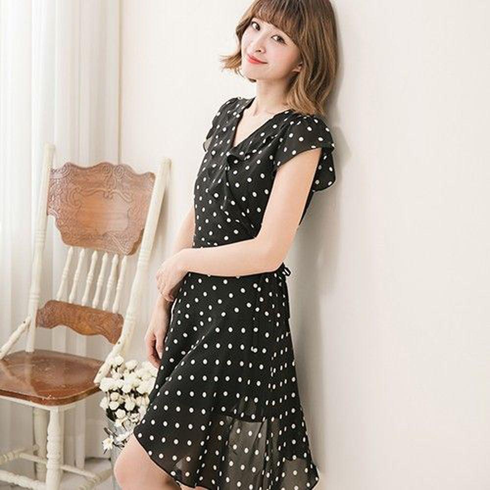 Marguerite - 斜裙擺星空點點洋裝-黑
