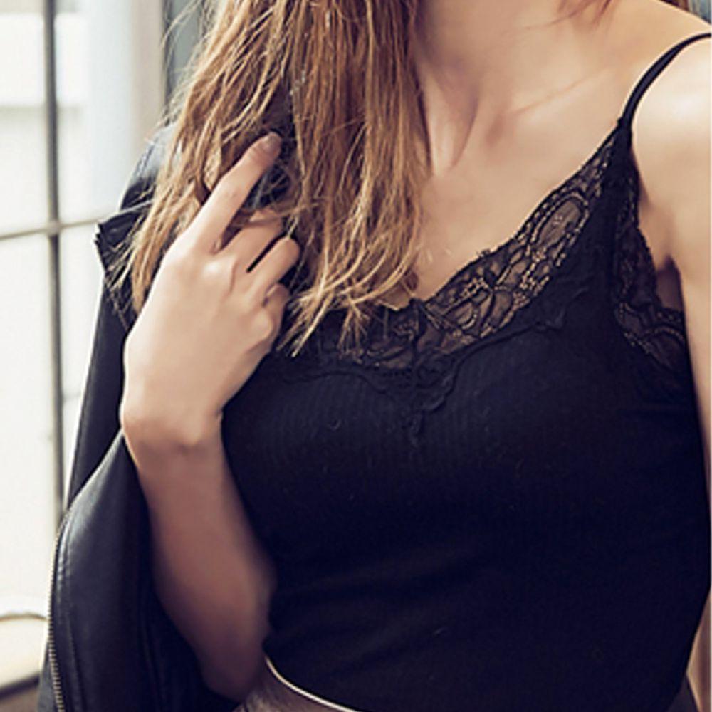 日本女裝代購 - 極致美胸超盛附罩杯背心-蕾絲衣領款-純黑