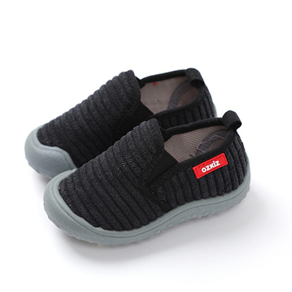 韓國 OZKIZ - (剩14cm)絨布超防滑兒童休閒鞋/室內鞋-黑