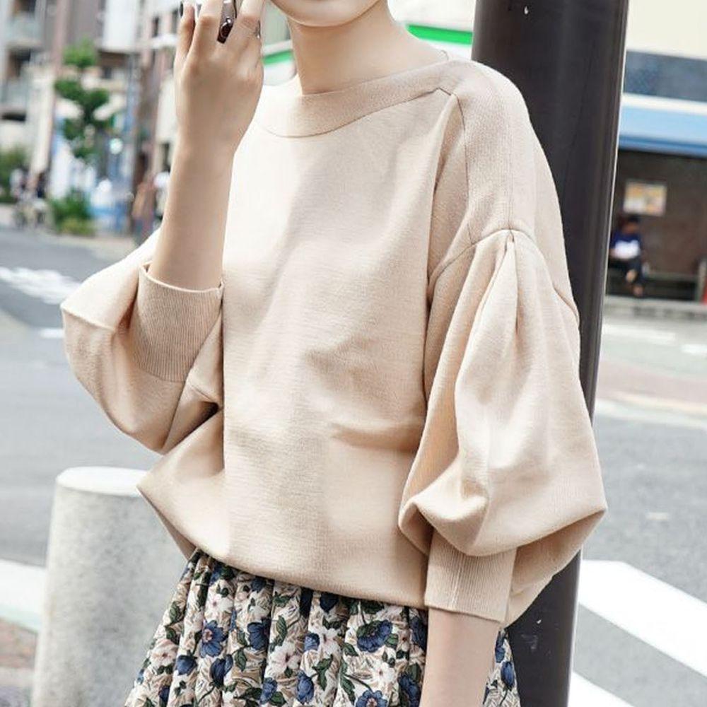 日本 zootie - 澎袖剪裁廣口針織上衣-奶茶
