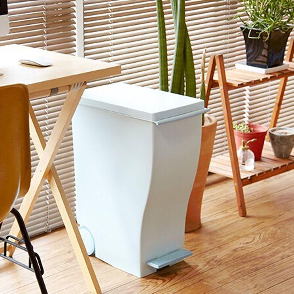 日本岩谷Iwatani - 日本製純色曲線長型可分類腳踏垃圾桶(附輪)-33L-藍