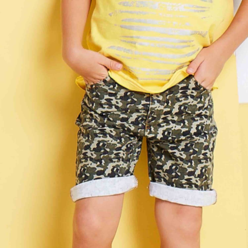 麗嬰房 Little moni - 性男孩水洗拚接短褲-軍綠
