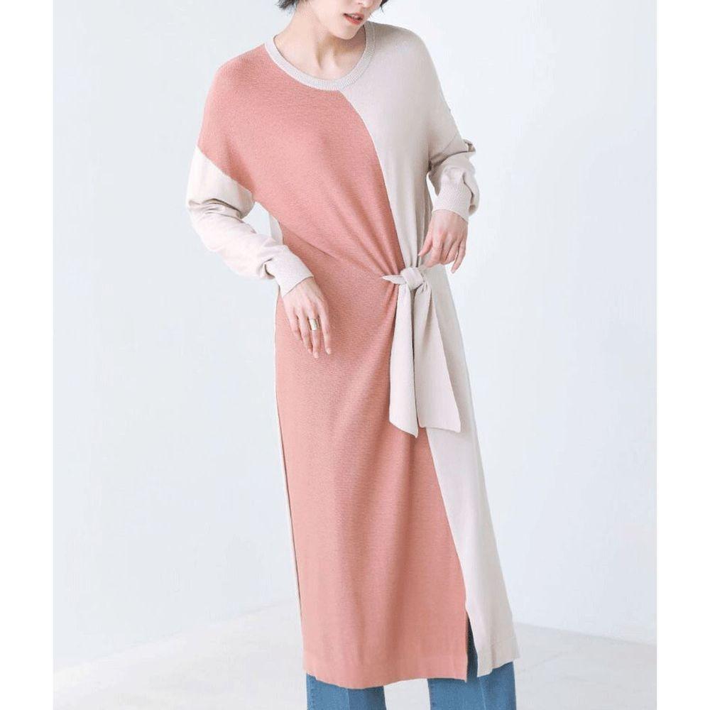 日本 Bou Jeloud - 撞色設計小綁帶薄針織長袖洋裝-粉杏