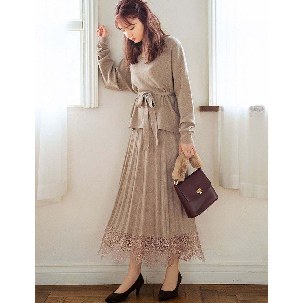 日本 GRL - V領腰間綁帶長袖上衣+蕾絲拼接百褶長裙兩件組-杏