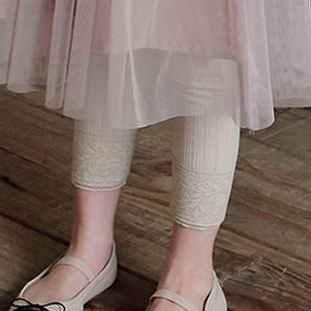 韓國 PuellaFLO - 蕾絲雕花褲管針織內搭褲-杏