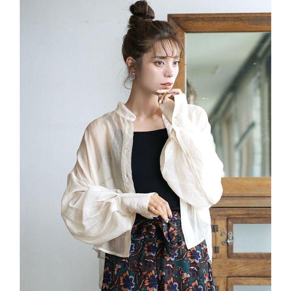 日本 zootie - 時尚光澤感透膚修身顯瘦短版長袖襯衫-米