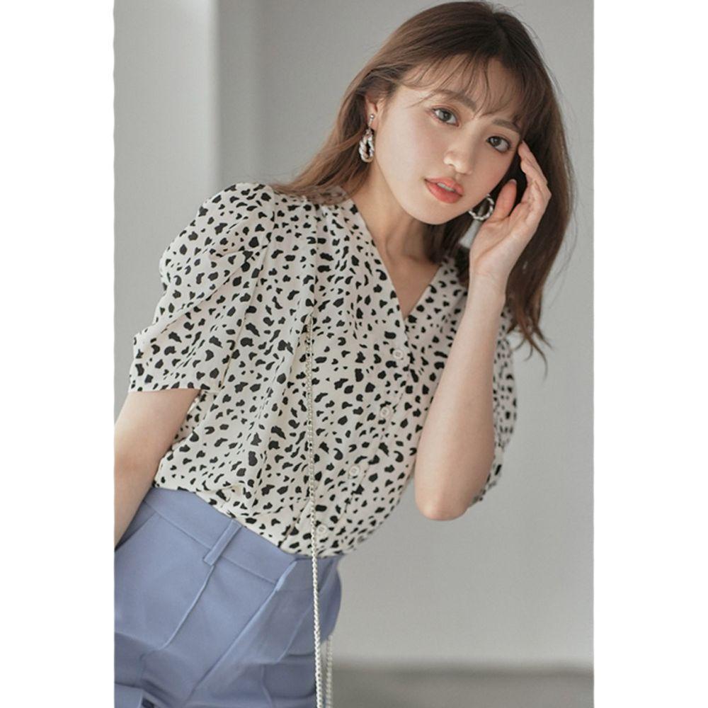 日本 GRL - 復古V領豹紋雪紡短袖襯衫-黑白