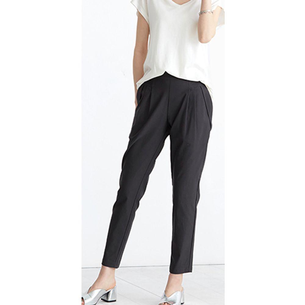 日本女裝代購 - 舒適修身彈性 打褶小尻美腿褲-深灰