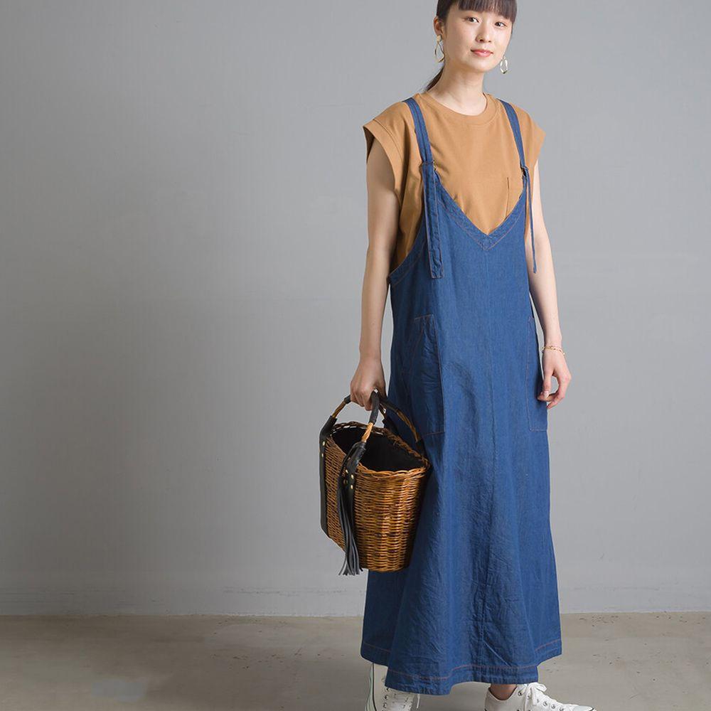 日本女裝代購 - V 領輕量丹寧吊帶裙-深藍 (Free size)