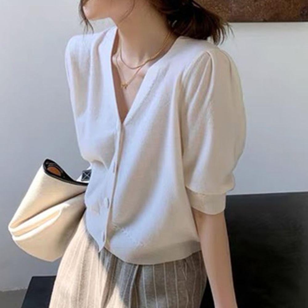日本 GRL - 復古大圓釦V領五分袖針織上衣-天使白
