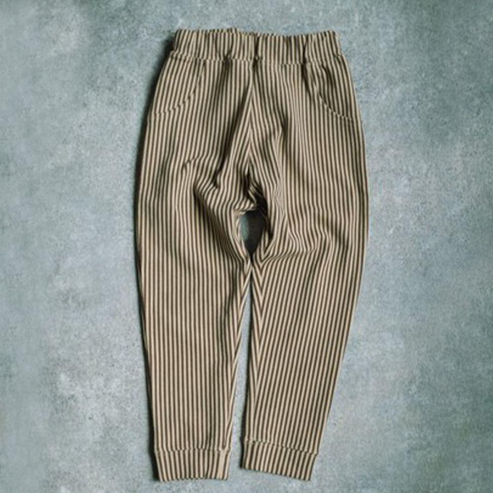 日本 PAIRMANON - 百搭彈性口袋長褲-摩卡直條紋