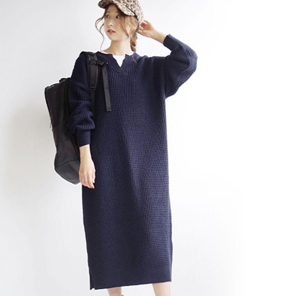 日本 zootie - 鬆餅紋小V領長袖針織洋裝-深藍 (Free)