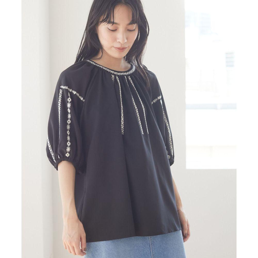日本 ELENCARE DUE - 五分袖刺繡圓領上衣-黑