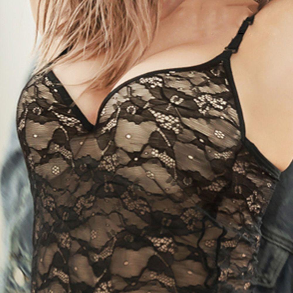 日本女裝代購 - 極致美胸超盛附罩杯背心-深V透膚蕾絲款-純黑