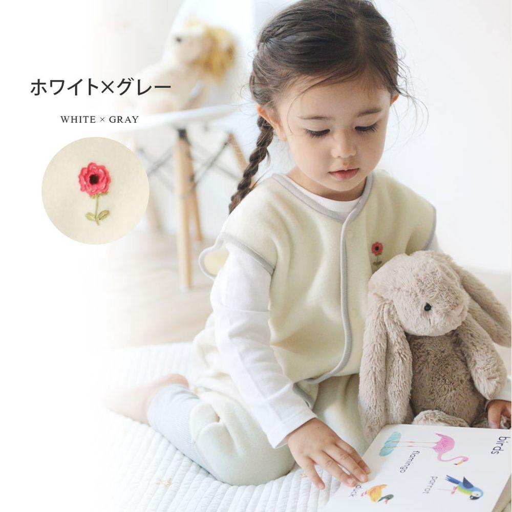 日本 kukka ja puu - 日本製刷毛防踢背心-小花刺繡-白X灰線條