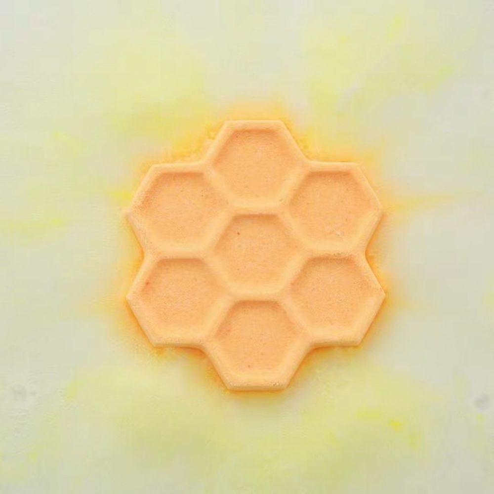 韓國 UNIQUE - (包裝NG品)高級香氛入浴球-蜂巢1入