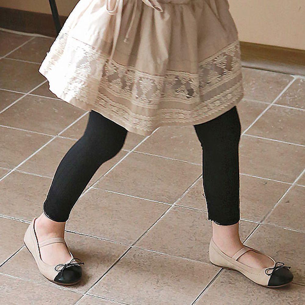 韓國 PuellaFLO - (剩5號)蕾絲雕花褲管針織內搭褲-黑