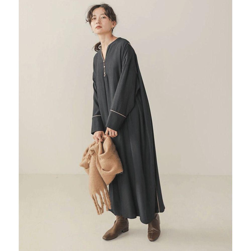日本 Bou Jeloud - 小V領修身雪紡長袖洋裝-素面黑