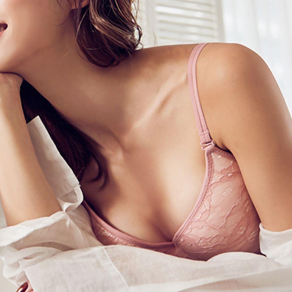 日本女裝代購 - 極致美胸超盛附罩杯背心-深V透膚蕾絲款-粉紅