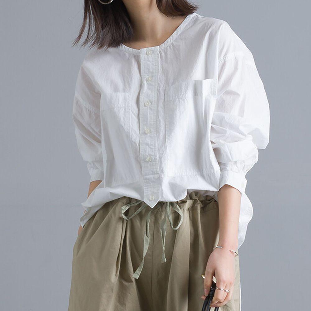 日本 OMNES - 純棉塩縮加工 修身長版圓下擺排釦圓領長袖上衣-白 (F)
