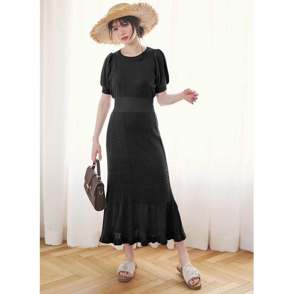 日本 GRL - 優雅針織鏤空雕花設計短袖洋裝(附背心襯裙)-時尚黑