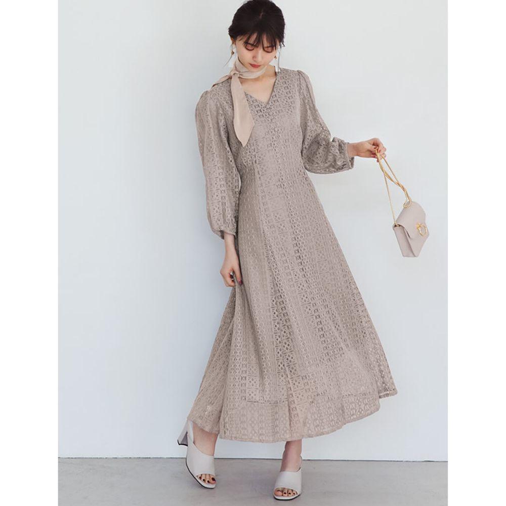 日本 GRL - V領蕾絲雕花長袖洋裝-杏