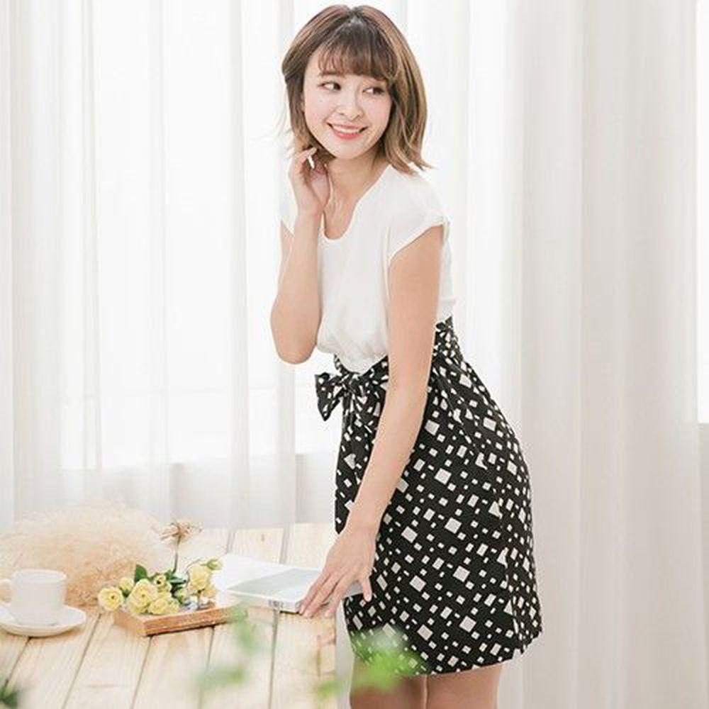 Marguerite - 縮腰雪紡格菱裙洋裝-黑白