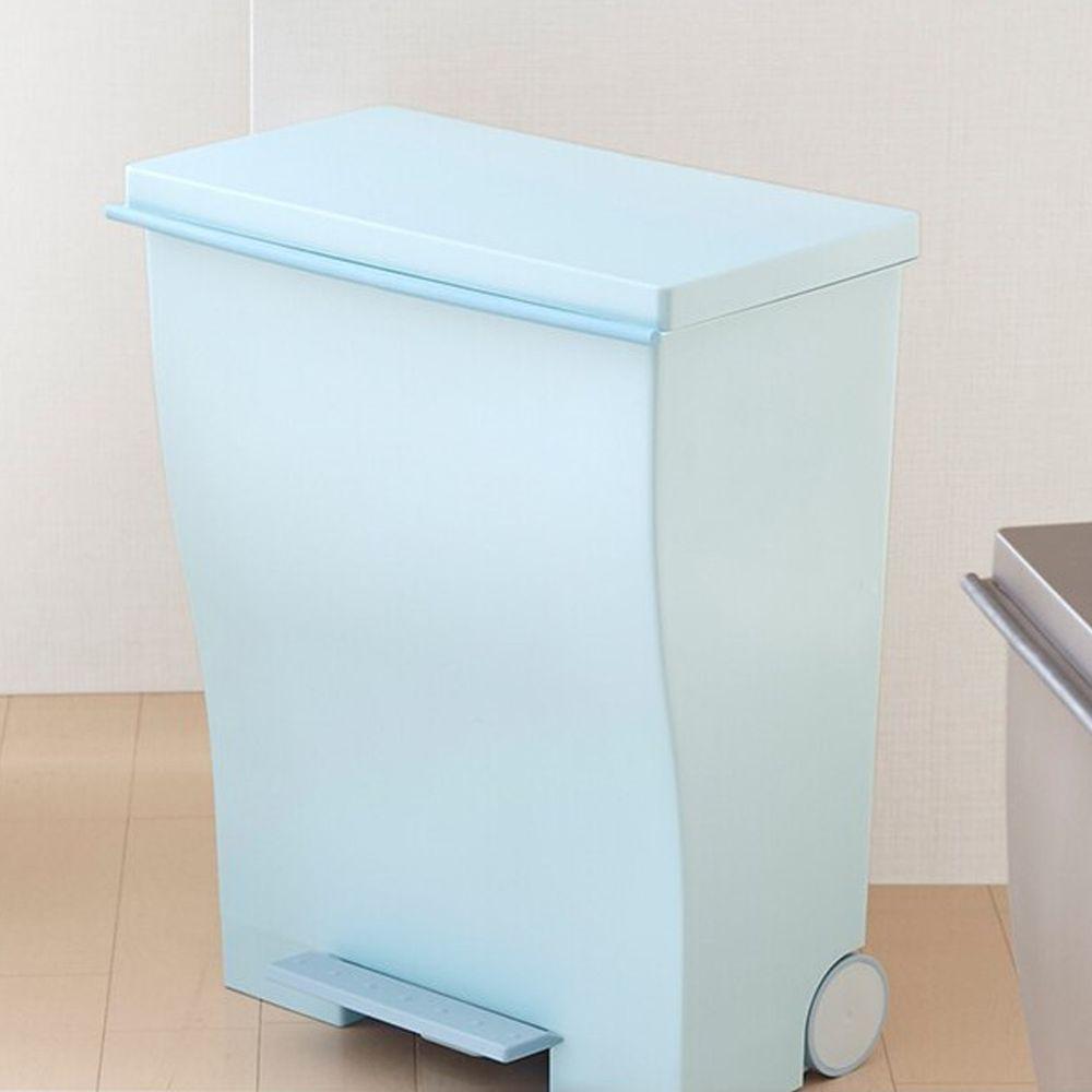 日本岩谷Iwatani - 日本製曲線寬型可分類腳踏垃圾桶(附輪)-39L-藍