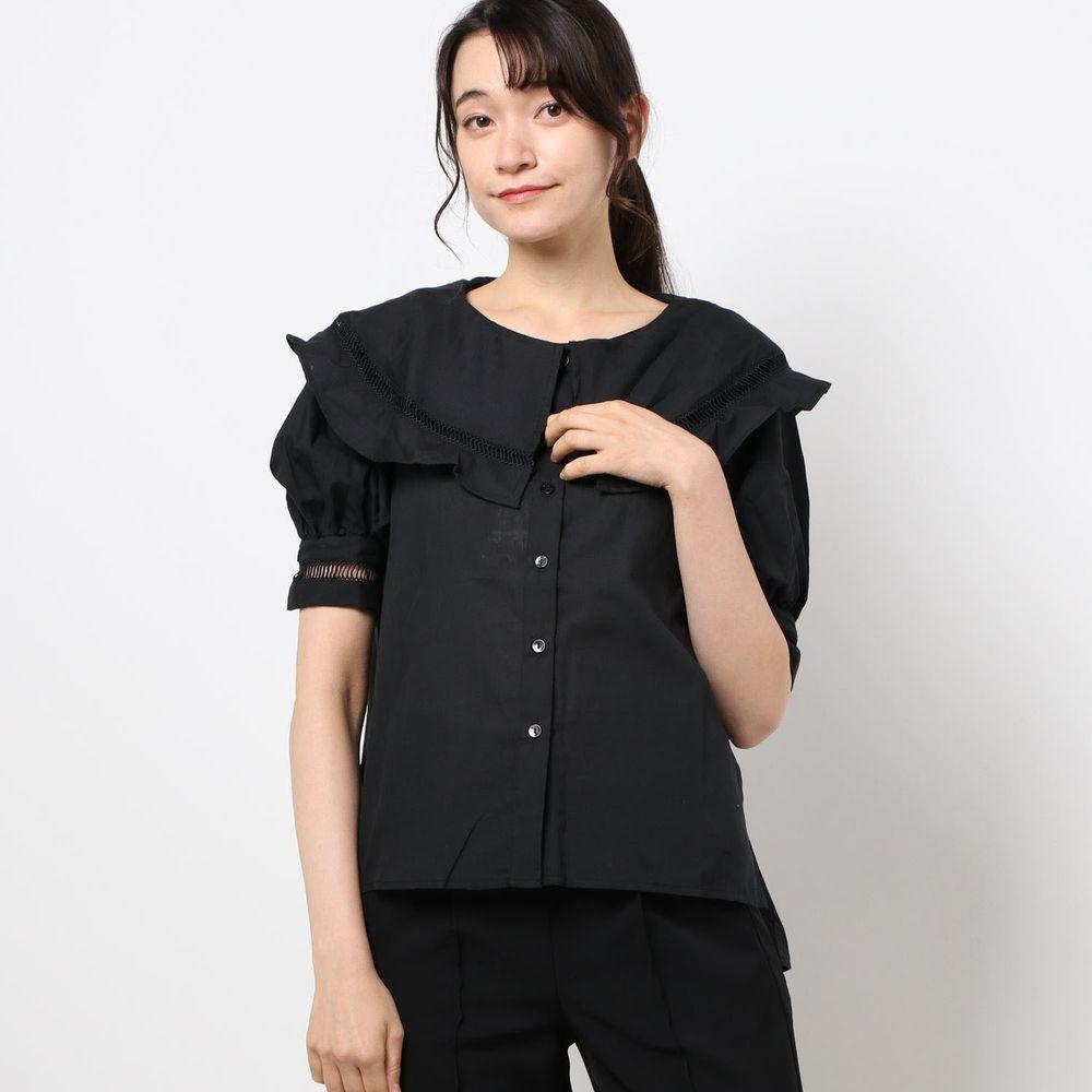 日本 Riche Glamour - 大荷葉領小鏤空短袖襯衫-黑