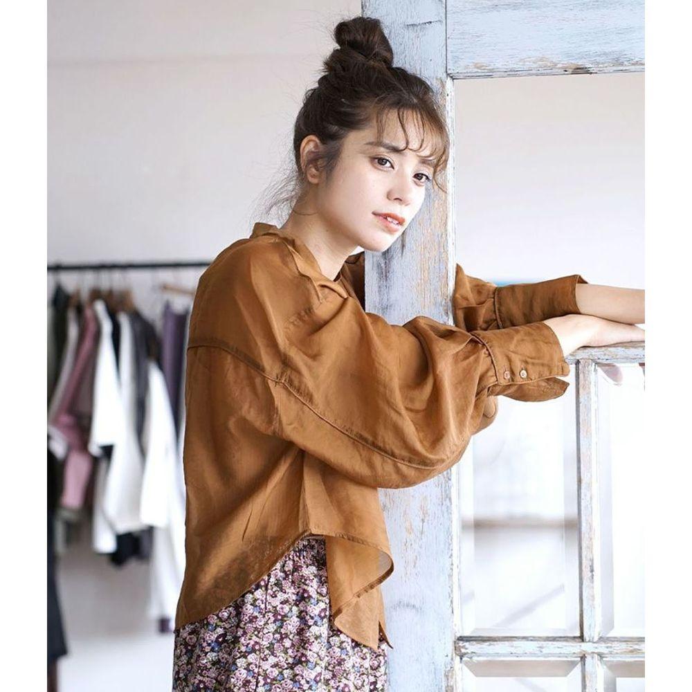 日本 zootie - 時尚光澤感透膚修身顯瘦短版長袖襯衫-咖啡