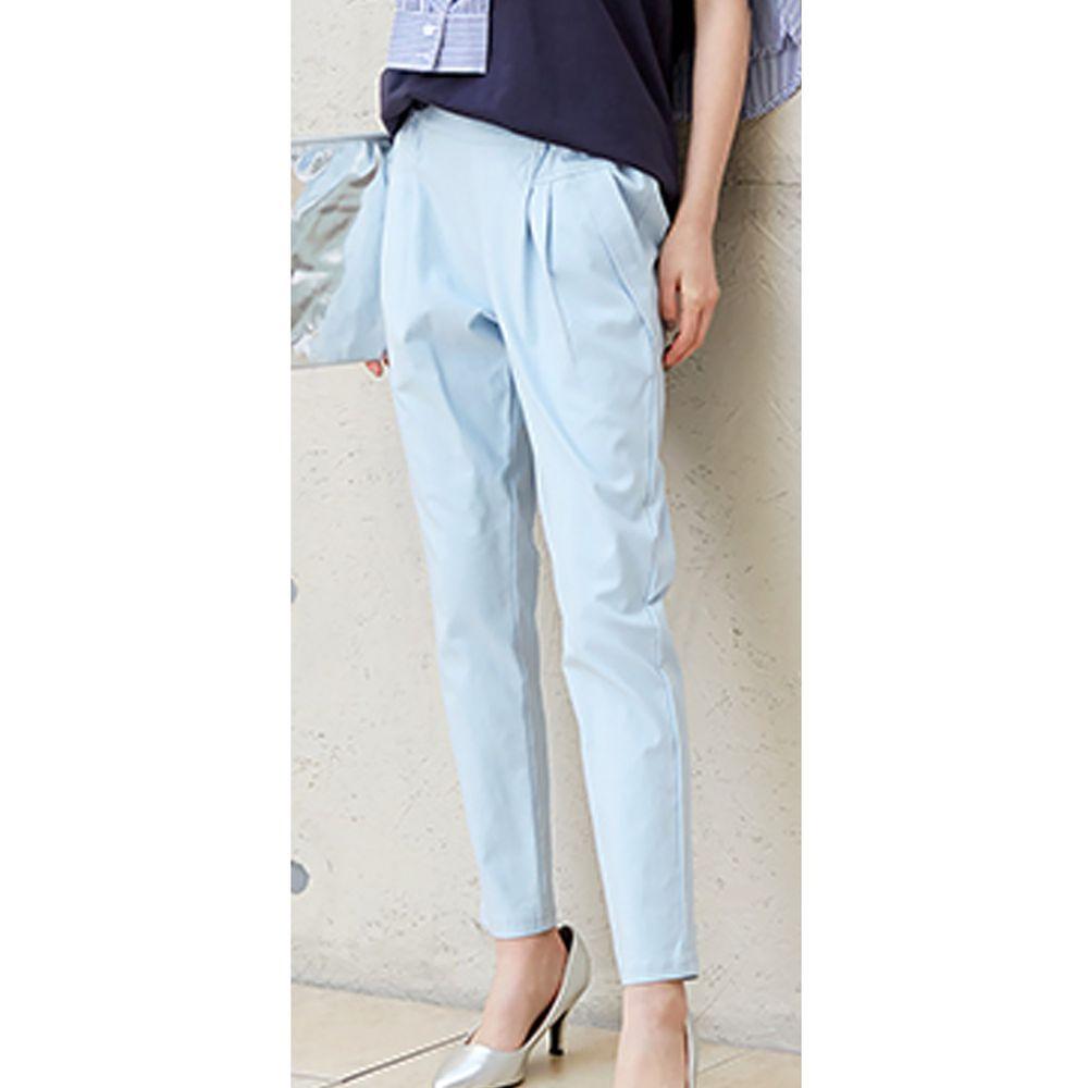 日本女裝代購 - 舒適修身彈性 打褶小尻美腿褲-水藍