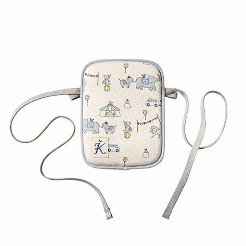 日本代購 - 日本製背巾/推車兩用小墊(5小時長效)(附保溫保冷劑)-滿版馬戲團 (14x2x18.5cm)