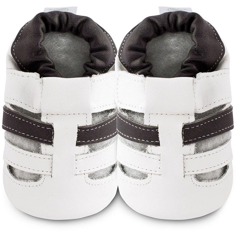 英國 shooshoos - 健康無毒真皮手工鞋/學步鞋/嬰兒鞋/室內鞋/室內保暖鞋-白/黑線條涼鞋