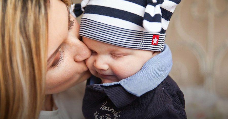 「親密派」還是「百歲派」,找出寶貝的最適育兒法!