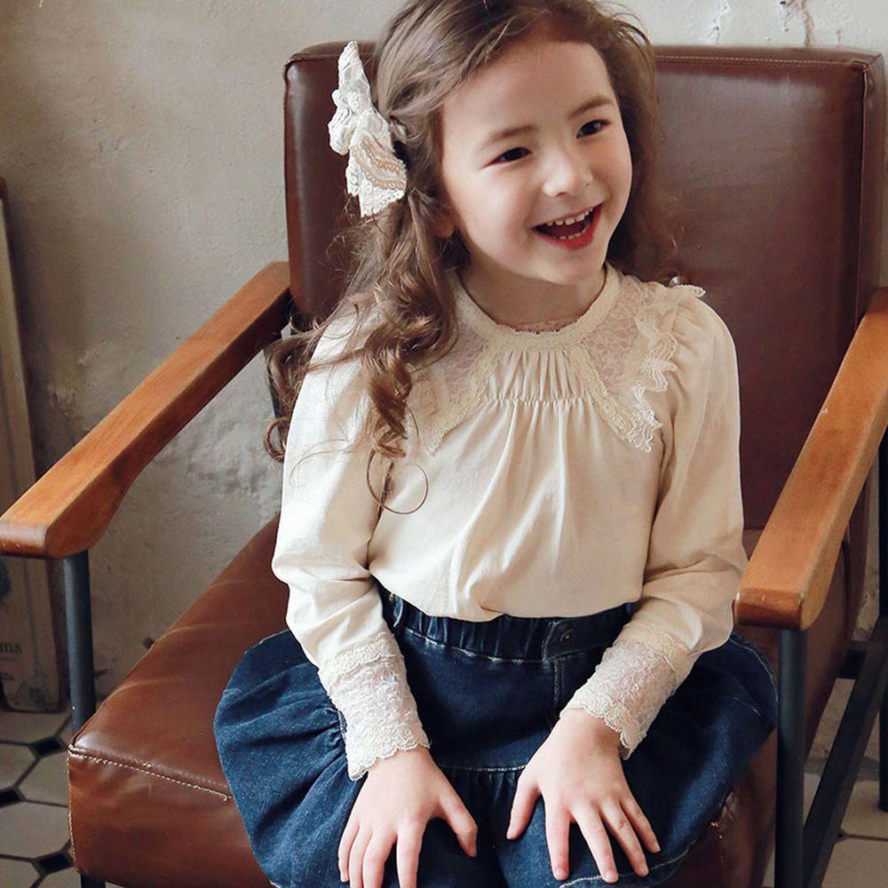韓國 PuellaFLO - 微抓皺領蕾絲袖口上衣-米白