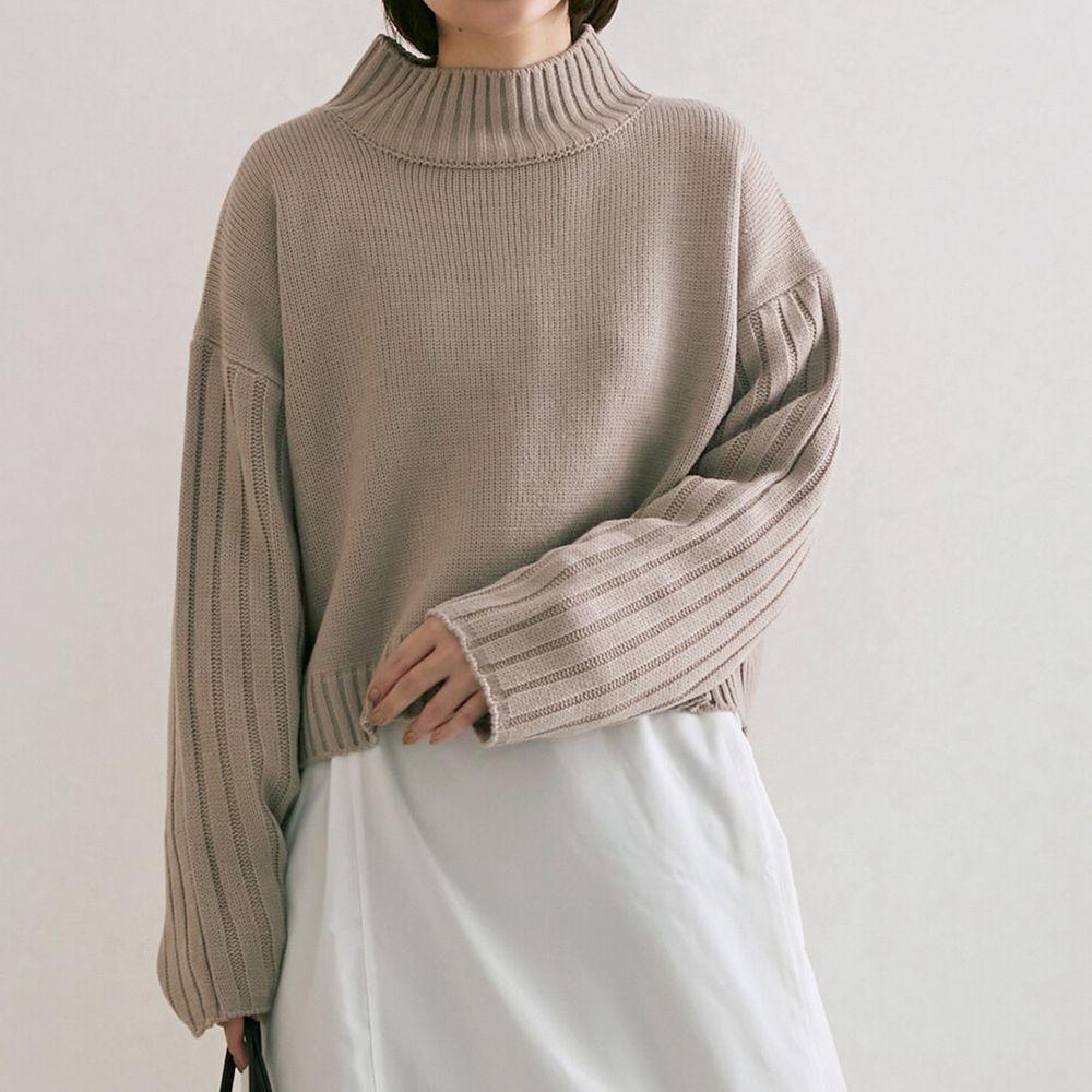 日本女裝代購 - 高領短版針織毛衣-杏粉 (M(Free size))