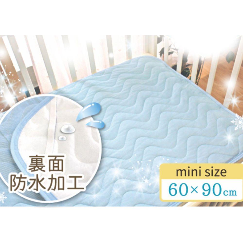 日本 un doudou - 涼感透氣防水墊/尿布墊(附四角綁帶)-波浪衍縫-水藍 (60x90cm)