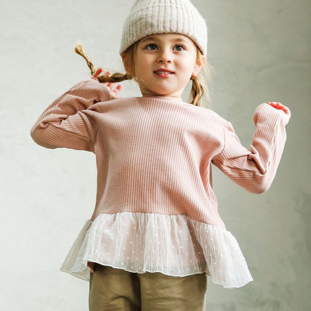 日本 PAIRMANON - 下擺荷葉拼接鬆餅紋長袖上衣-點點薄紗-粉