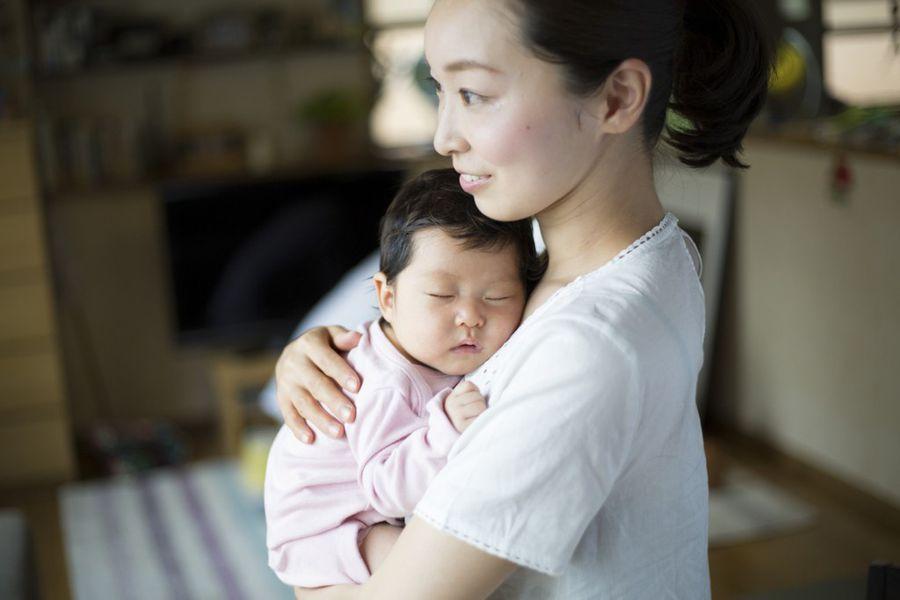 新手爸媽最常犯的3種錯誤抱法|護理師教你安全抱寶寶