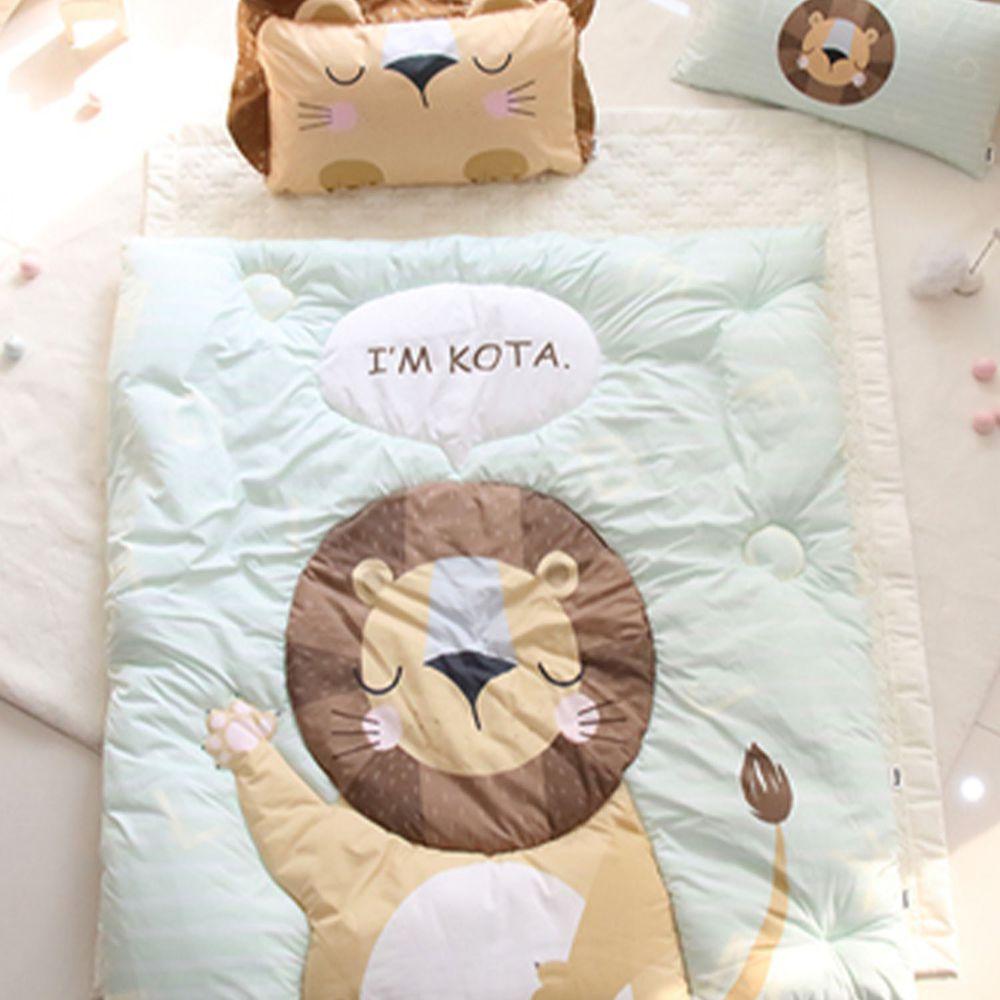 韓國 Teepee - 雙面材質輕量棉被-閉眼小獅子 (110X120公分)