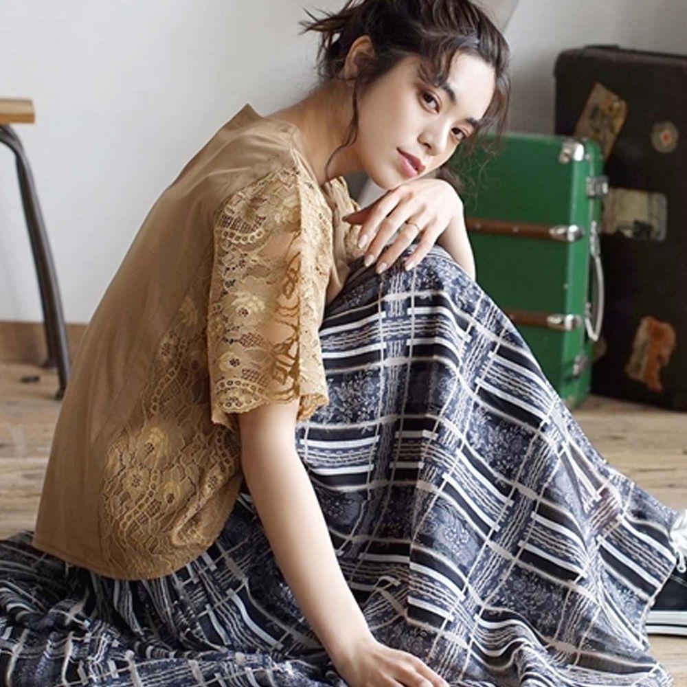 日本 zootie - 蕾絲雕花拼接五分袖上衣-焦糖棕