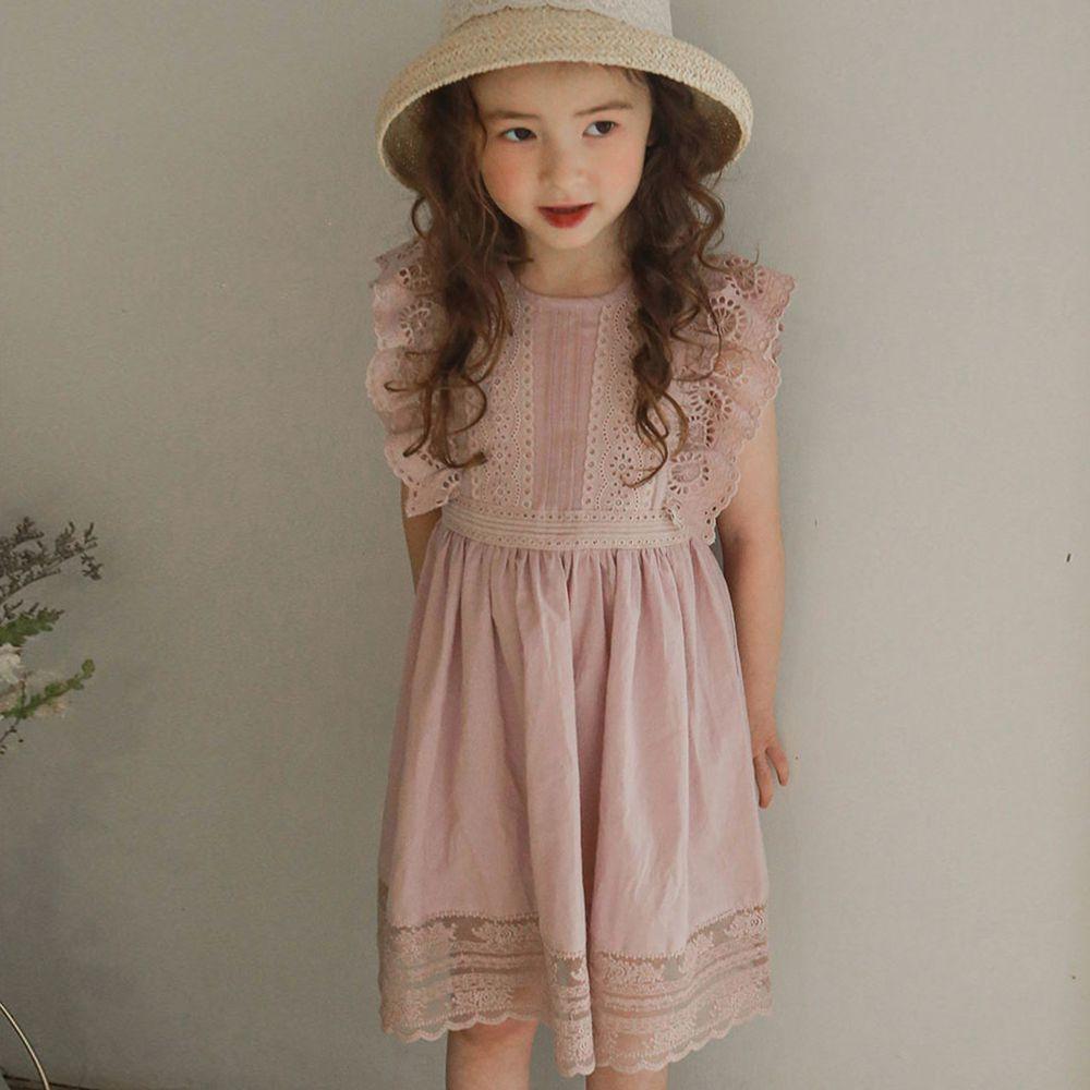 韓國 PuellaFLO - 鏤空太陽雕花荷葉袖高腰洋裝-粉紅