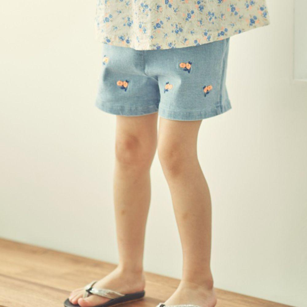 韓國 Mimico - 刺繡小花鬆緊褲頭牛仔短褲