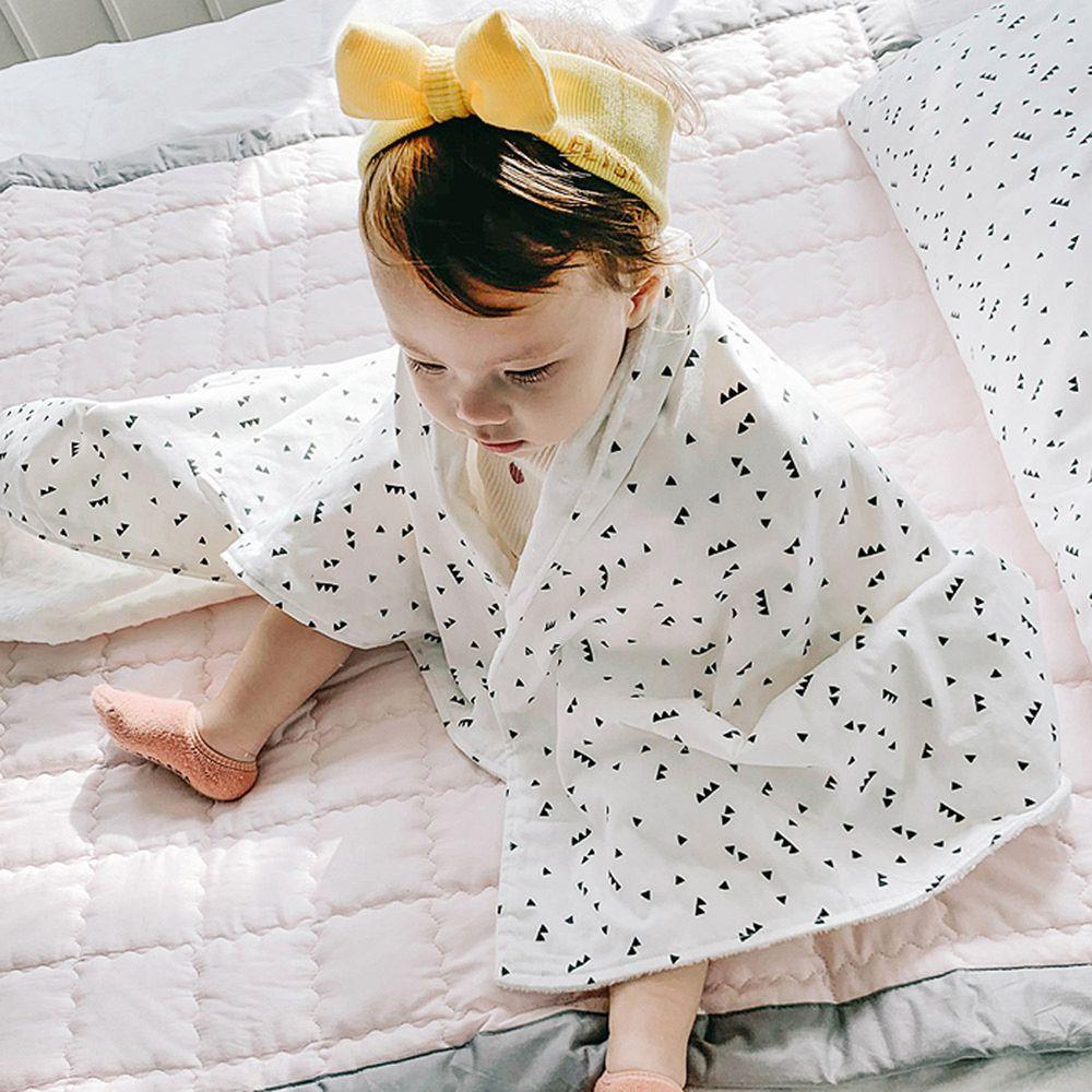 韓國Daby - 點點舒眠毯-黑白三角圖騰