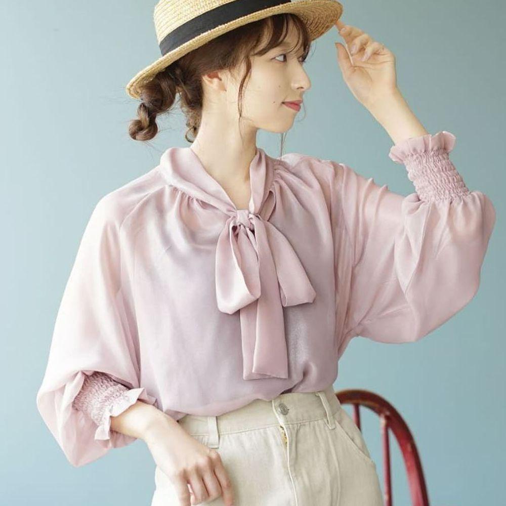 日本 zootie - 2way質感光澤微透膚雪紡蝴蝶結長袖上衣-粉