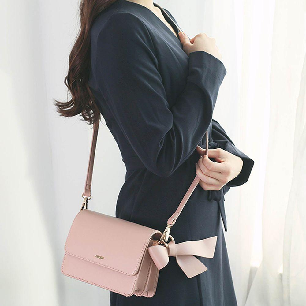 韓國 Clue - 緞帶裝飾信封包-夢幻粉 (18X8X10cm)