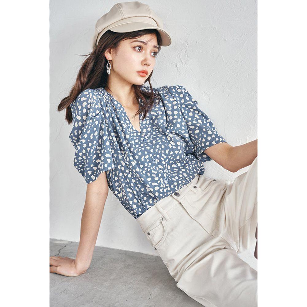 日本 GRL - 復古V領豹紋雪紡短袖襯衫-星塵藍